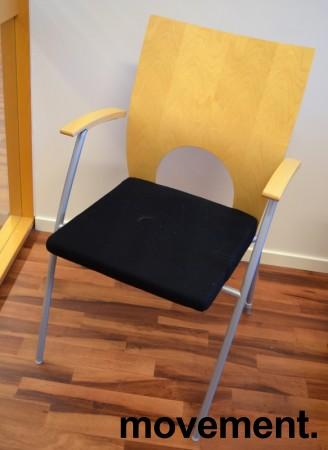 Konferansestol / møteromsstol fra Kinnarps, modell Yin i sort/bjerk, pent brukt bilde 1