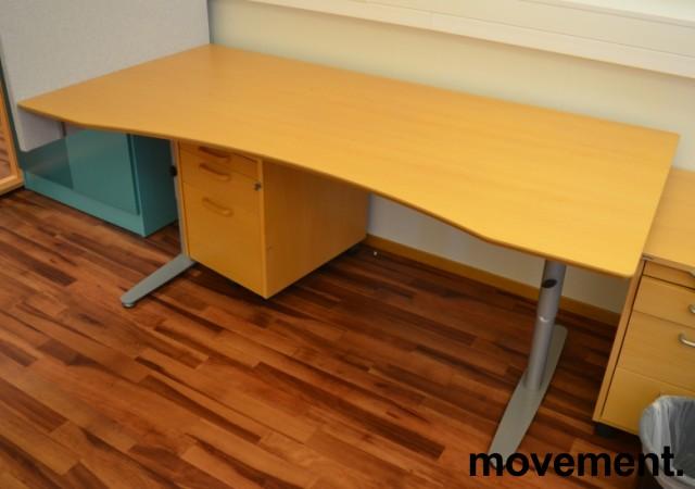 Edsbyn skrivebord i bøk med mavebue, 180x90cm, pent brukt bilde 2