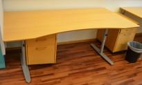 Edsbyn skrivebord i bøk med mavebue, 180x90cm, pent brukt