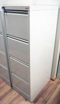 Arkivskap for hengemapper fra Esselte Pendaflex i hvitt, 4 skuffers, 42cm bredde, pent brukt