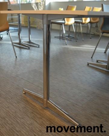 Kompakt møtebord / kantinebord / skrivebord i hvitt / krom, 140x75cm, passer 4 personer, pent brukt bilde 3