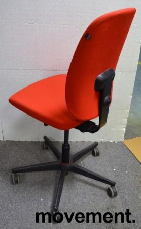 Konferansestol / kontorstol i rødt stoff fra Savo, modell Eos, pent brukt bilde 2
