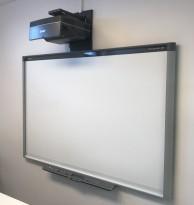 Smartboard 800 / SB885ix2-SMP, 200x135cm, komplett med short-throw prosjektor, pent brukt 2013-modell