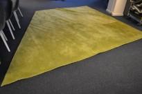 Gulvteppe i grønt, 290x370/230cm, modell  Mix fra Almedahls, 50% ull / 50% Viskose, pent brukt