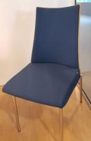 Konferansestol fra ForaForm, modell Viva II i bjerk/mørkeblå mikrofiber (comfort) krom, pent brukt