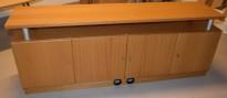 TV-benk / mediabenk i eikefiner, 160cm bredde, 57cm høyde, pent brukt