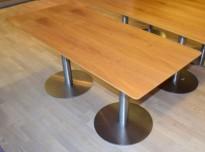 Kompakt møtebord / kantinebord i flammebjerk og satinert krom, 160x70cm, pent brukt