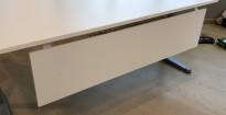 Frontplate / skillevegg / fotskjuler i hvitt, 144cm bredde, for skrivebord 160cm bredde, NY / UBRUKT