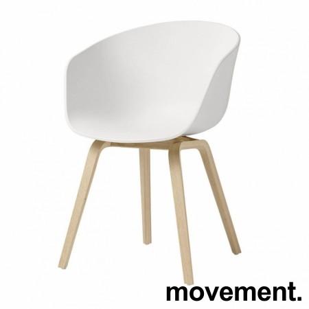 HAY About a chair AAC 22 i hvit / eik, pent brukt bilde 1