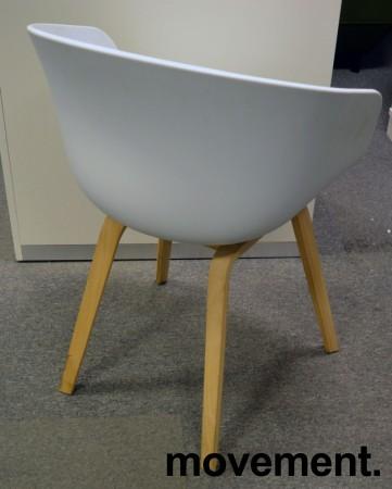 HAY About a chair AAC 22 i hvit / eik, pent brukt bilde 3