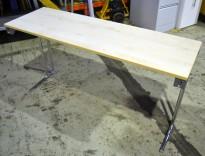 Konferansebord / klappbord i bjerk laminat understell i krom fra NCP, 140x45cm bordplate, pent brukt