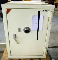Sikkerhetsskap fra Jøli med kode/nøkkel, oppsett for strøm/data, 85cm høyde, 62,5cm bredde, pent brukt