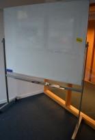 Whiteboard på hjul / stativ fra Lintex, 150x120cm whiteboard, 162cm bredde, 196cm høyde, pent brukt