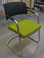Konferansestol fra Sitland, modell Passepartout, i grønt stoff / mesh / krom, pent brukt