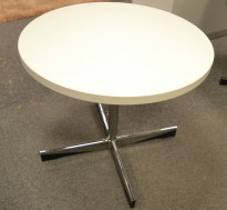 ForaForm Planet loungebord i hvitt med krom fot, Ø=70cm, H=50,5cm, Design: Dysthe, pent brukt