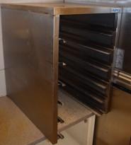 Hylle for stekebrett i rustfritt stål med 6 hyller, kan brukes med både 40 og 35cm brede brett, pent brukt