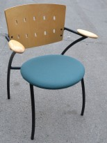 Konferansestol / stablestol i sjøgrønt stoff / bjerk fra Martela, brukt med noe slitasje