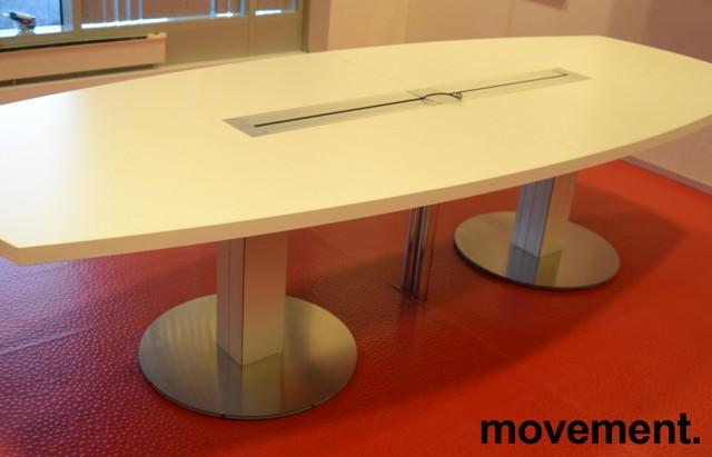 Møtebord fra ForaForm i hvitt, 300x120cm, passer 10-12 personer, pent brukt bilde 2
