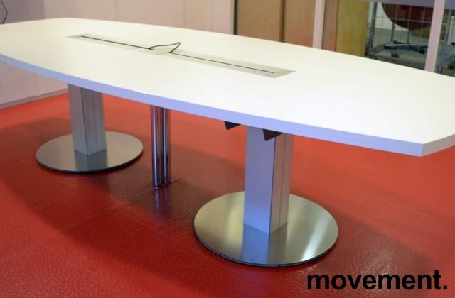 Møtebord fra ForaForm i hvitt, 300x120cm, passer 10-12 personer, pent brukt bilde 1