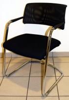 Konferansestol / besøksstol fra Sitland, modell Passe Partout, i sort / mesh / krom, pent brukt