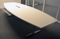 Møtebord fra Edsbyn i hvitt, 320x120cm, passer 10-12 personer, pent brukt