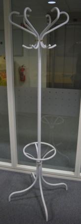 Rörmekano retro/vintage stumtjener i hvitt, 180 cm høyde, med paraplyholder, pent brukt