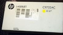 HP Toner C9732AC / C9732A (645A) Yellow / Gul toner til Color LaserJet  5550 m.fl. NY I ESKE, ORIGINAL