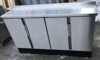 Anretning / skap med dører, i rustfritt, 160cm bredde, 40cm dybde, 90cm høyde, Nicro, pent brukt