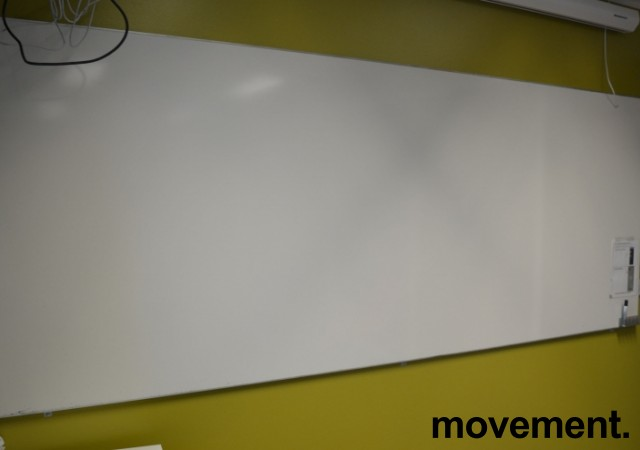 Stort whiteboard vegghengt, 300x120cm, pent brukt