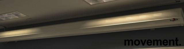 Elektrisk lerret, motorisert fra Euroscreen, kasse bredde 180cm, pent brukt, NB! Kun lerret/hus bilde 1