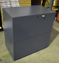 Skap med skuffer for hengemapper i mørk grå fra Fantoni, bredde 80cm, høyde 82cm, pent brukt