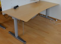 Horreds Free skrivebord med elektrisk hevsenk, 180x90cm, mavebue, pent brukt