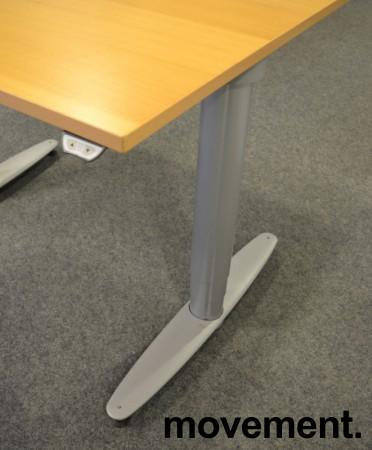 Kinnarps T-serie kompakt elektrisk hevsenk skrivebord 100x80cm i bøk, pent brukt bilde 4