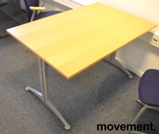 Kompakt møtebord / kantinebord / skrivebord i bøk / grå fra Kinnarps, 120x80cm, passer 4 personer, pent brukt bilde 2