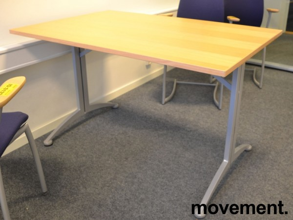Kompakt møtebord / kantinebord / skrivebord i bøk / grå fra Kinnarps, 120x80cm, passer 4 personer, pent brukt bilde 1