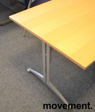Kompakt møtebord / kantinebord / skrivebord i bøk / grå fra Kinnarps, 120x80cm, passer 4 personer, pent brukt bilde 3