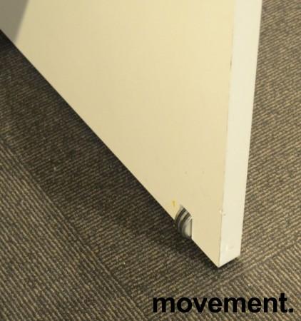 Ståbord / barbord i hvitt / krom fra Brødrene Andersen / Zeta DK, 160x65x108cm, pent brukt bilde 3