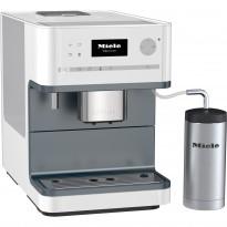 Kaffemaskin fra Miele, modell CM6300 LOWE i hvitt, pent brukt