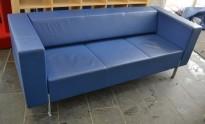 Loungesofa fra Kinnarps, modell PIO 3-seter i blå skai, 203cm bredde, pent brukt