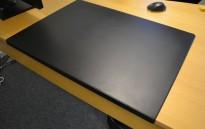 Vitra Joyn skrivebordsunderlag i sort, 51x70cm, pent brukt
