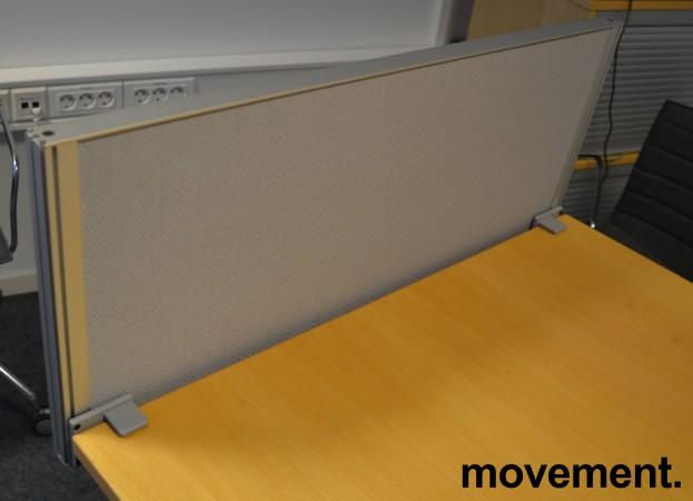 Kinnarps Rezon bordskillevegg i grått til kontorpult, 80cm bredde, 35cm høyde, pent brukt bilde 2
