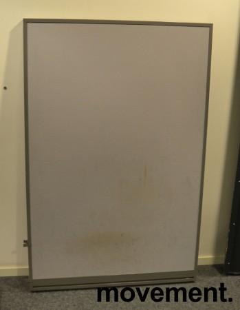 Skillevegg fra Kinnarps, modell Rezon i grått / grå ramme, 100cm bredde, 150cm høyde, pent brukt bilde 1