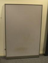 Skillevegg fra Kinnarps, modell Rezon i grått / grå ramme, 100cm bredde, 150cm høyde, pent brukt