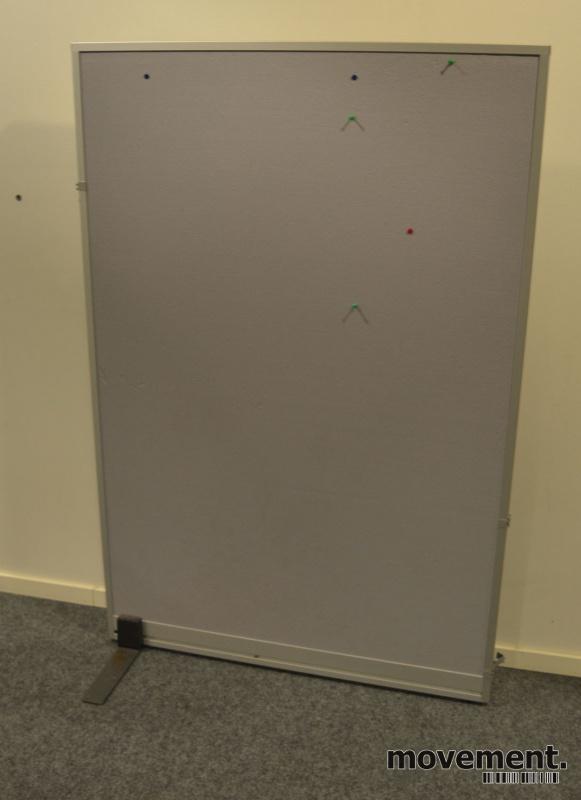 81fd3ba7 Skillevegg fra Kinnarps, modell Rezon i grått / alu ramme, 100cm bredde,  150cm