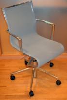 Alias Rollingframe konferansestol på hjul i polert aluminium / lys grå mesh, pent brukt