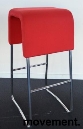 Materia Plint barpall / barkrakk i rødt stoff / krom, pent brukt bilde 1