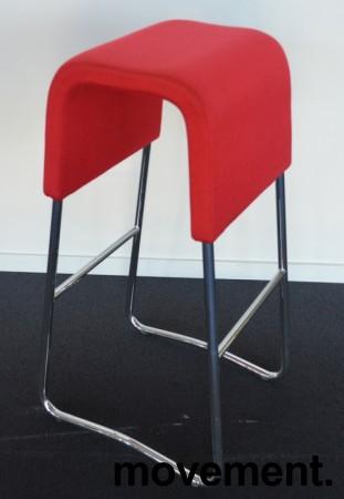 Materia Plint barpall / barkrakk i rødt stoff / krom, pent brukt bilde 2