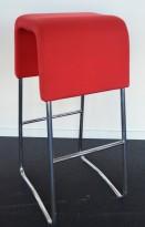 Materia Plint barpall / barkrakk i rødt stoff / krom, pent brukt