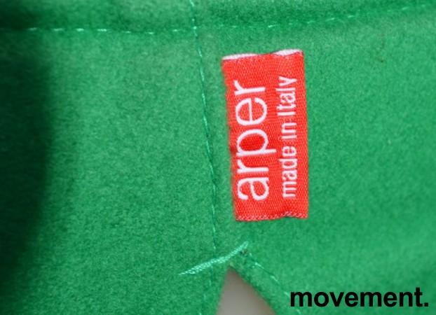 Arper Catifa 46 konferansestol på hjul, trukket i grønt ullstoff, understell i krom, pent brukt bilde 3