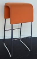 Materia Plint barpall / barkrakk i oransje stoff / krom, pent brukt
